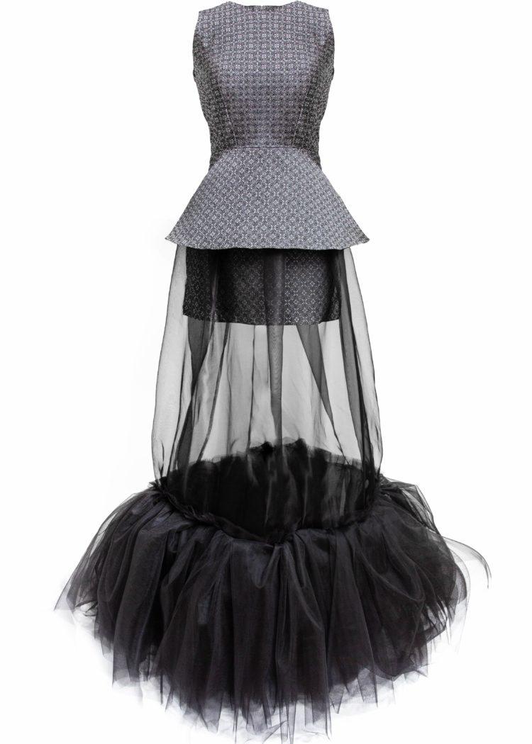 #GREENCARPET dlouhé brokátové šaty stříbro SARTOR
