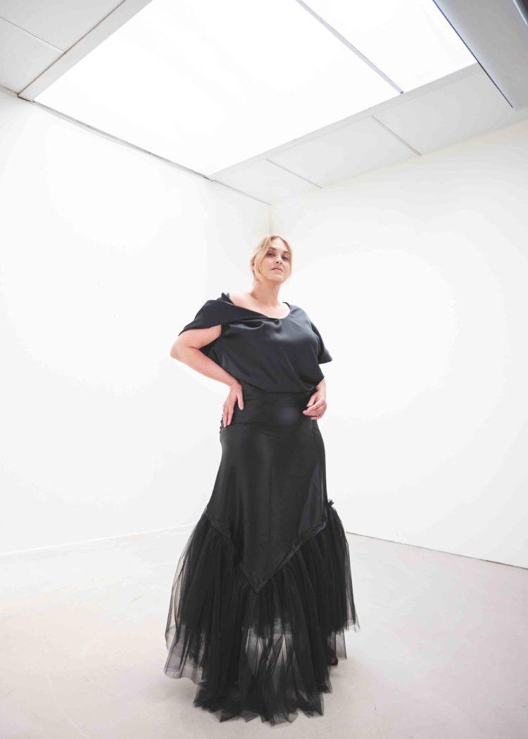 #GREENCARPET dlouhé šaty plus size asymetrie SARTOR